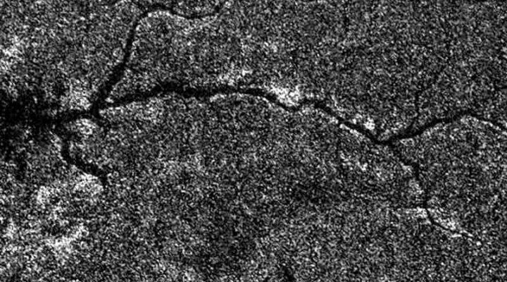 Река на Титане сфотографированная аппаратом Кассини