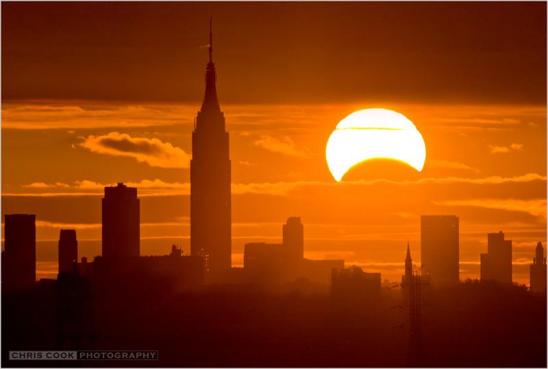 Солнечное затмение 3 ноября 2013 над Нью-Йорком