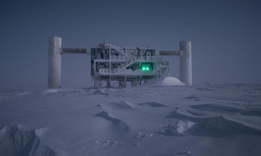 Нейтринная обсерватория IceCube.